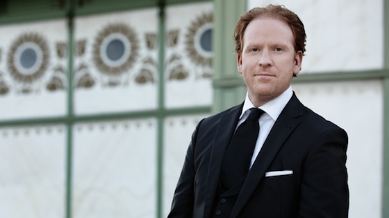 Daniel Hope Teams Up with New Century Chamber Orchestra