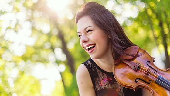 Violinist.com interview with Tessa Lark: Bluegrass on a Strad